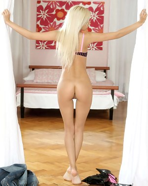 Free Big Ass Blonde Porn Pictures