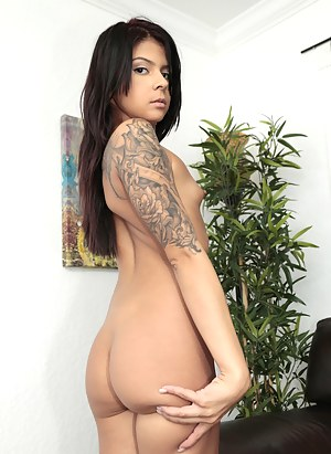 Free Big Ass Small Tits Porn Pictures