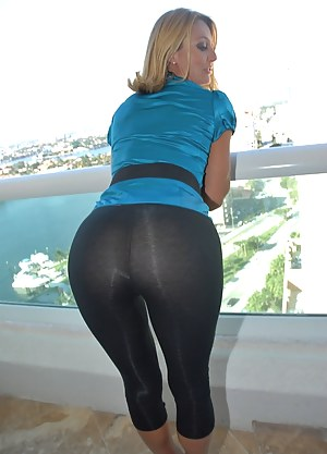 Free Big Ass Yoga Pants Porn Pictures